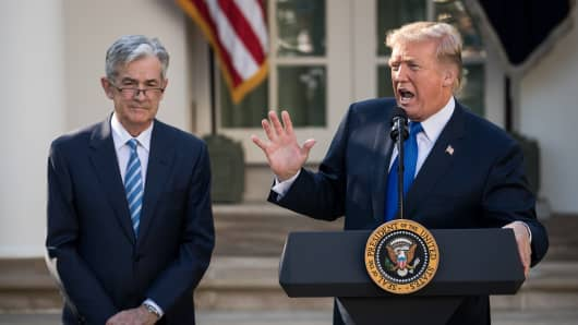 President Donald Trump (R) introduces his nominee for the chairman of the Federal Reserve Jerome Powell during a press event in the Rose Garden at the White House, November 2, 2017 in Washington, DC.