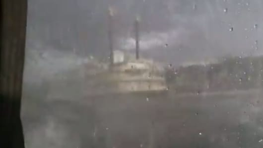 Video of stormy weather from second duck boat