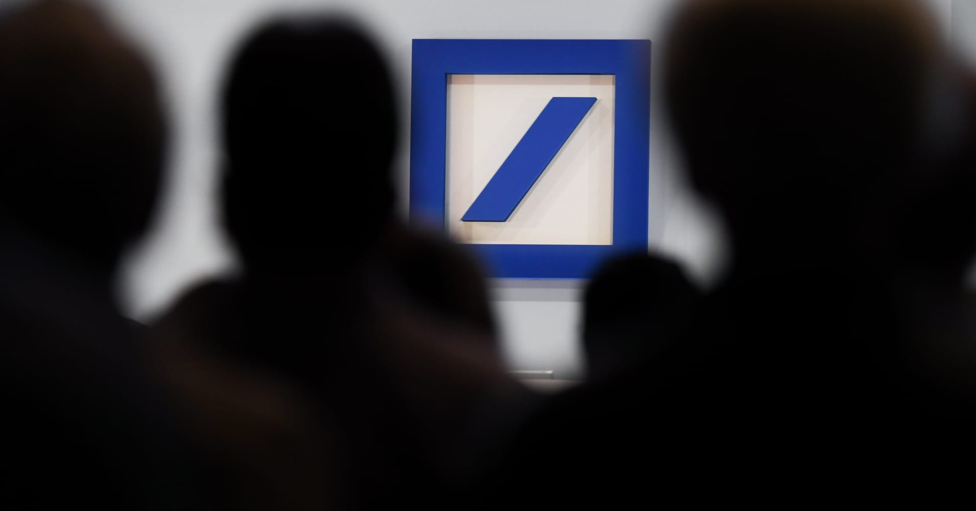 Deutsche Bank top management gets bonuses for first time in four years