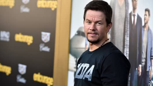 Actor/producer Mark Wahlberg Attends The Premiere Of U0027Entourageu0027 At Regency  Village Theatre