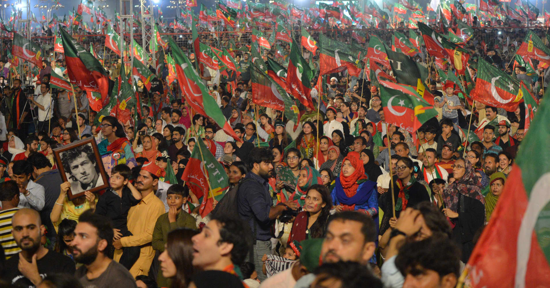 Pakistan elections: Extremist candidates are a 'real setback' for the country