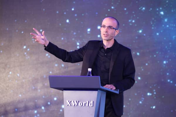 Israeli historian and writer Yuval Noah Harari makes a lecture of artificial intelligence during the X World Future Evolution on July 6, 2017 in Beijing, China.