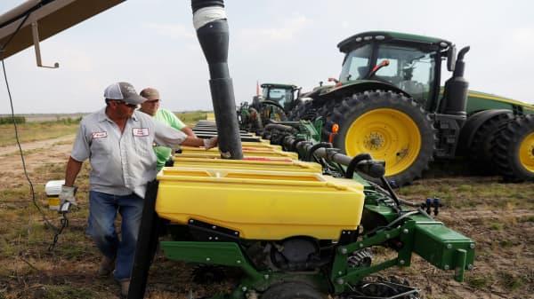 White House readies $12 billion in farmer aid