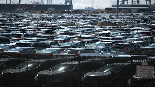 Senators introduce bipartisan bill to delay auto tariffs