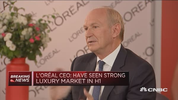 L'Oreal CEO: Hope H2 will show improvement in French economy