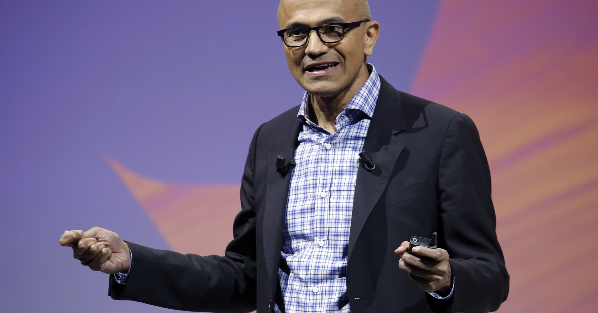Microsoft hits $1 trillion market cap after earnings beat estimates