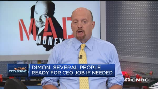 I think the Fed is doing it wrong and should sell its treasuries, says Jim Cramer