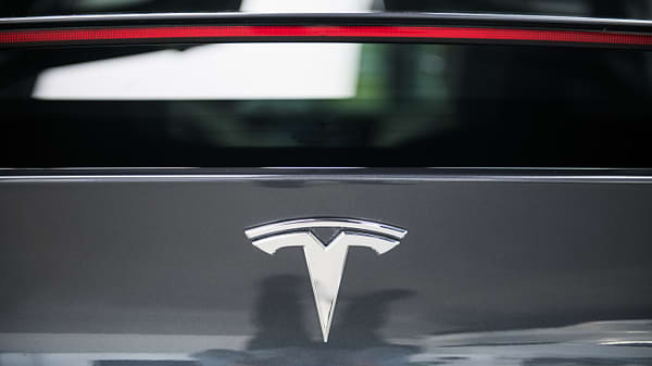 Tesla Using Workers From Out Of State Solar Division To Build Cars