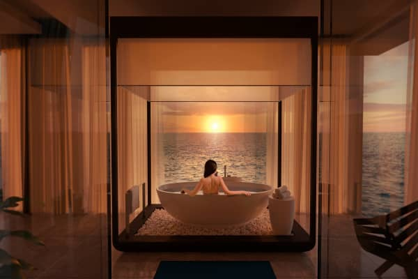 Muraka bathroom facing the sunset