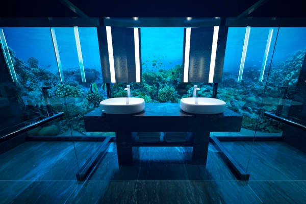 Underwater bathroom at Muraka