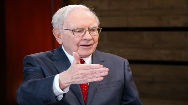 Buffett makes some smart acquisitions like Burlington Northern, says Jim Cramer