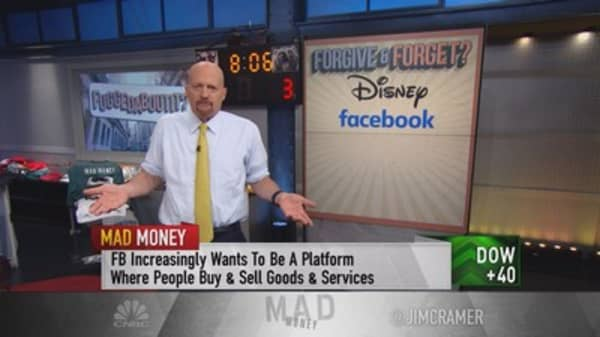 Cramer: Facebook's idea to incorporate bank information should give investors pause