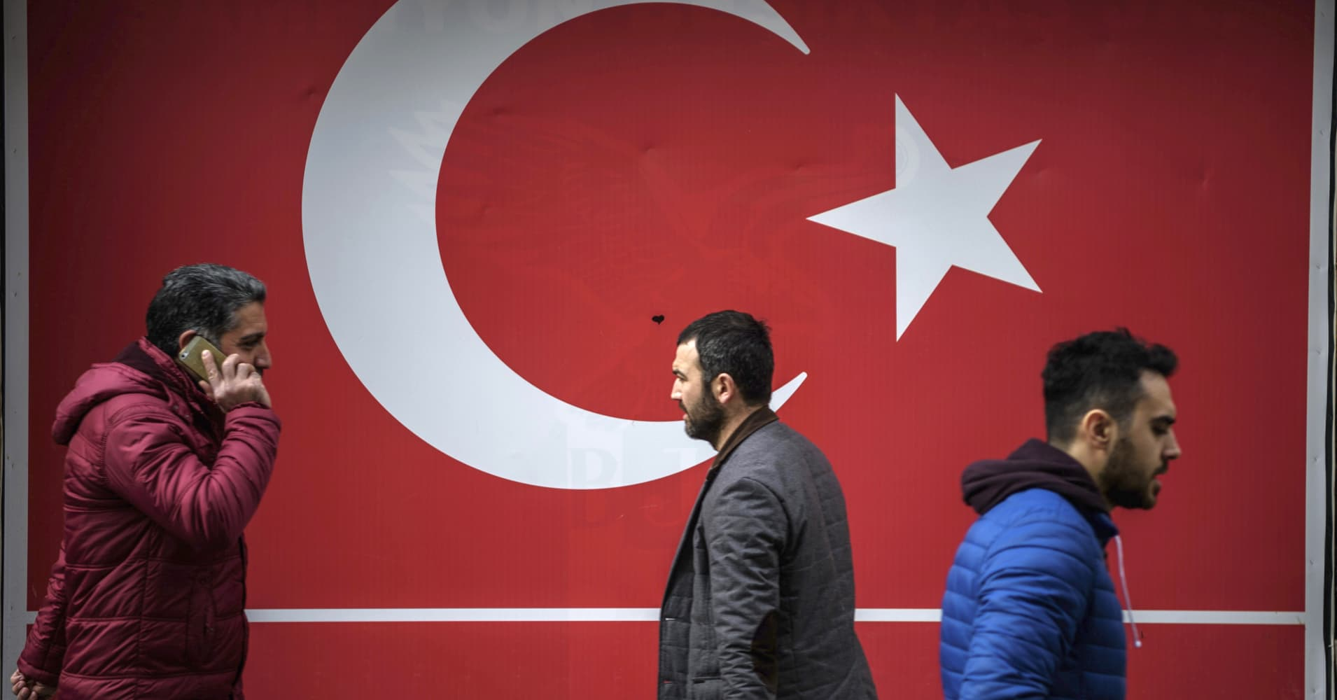 financial crisis contagion 4 days ago  euro falls to one-year low as investors worry lira's crash could infect  turkey  financial crisis: contagion fears hit markets as central bank acts.