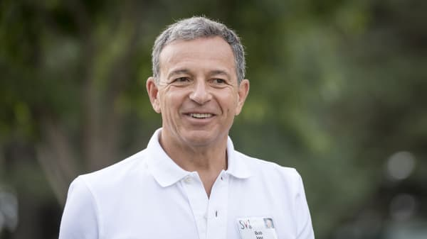 Robert Iger, chief executive officer of the Walt Disney Co., arrives for a morning session at the Allen & Co. Media and Technology Conference in Sun Valley, Idaho, U.S., on Thursday, July 12, 2018.