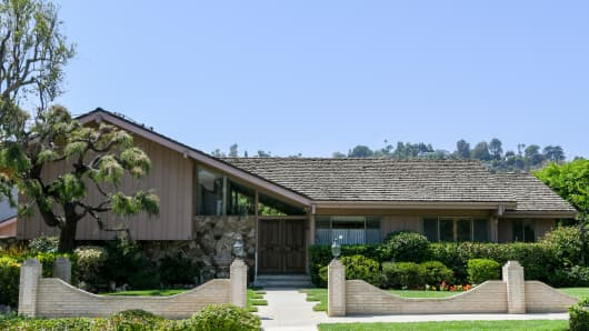 Brady Bunch House Lance Bass
