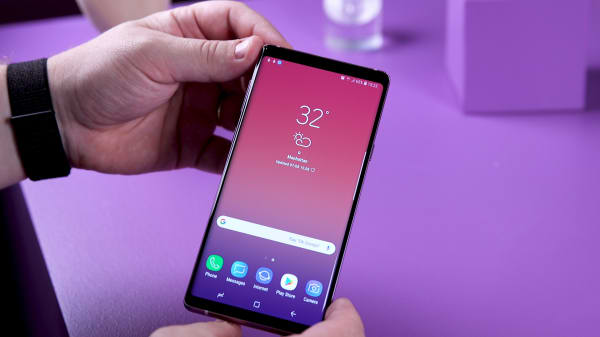 Samsung Galaxy Note 9 1 000 Smartphone Challenges Apple Iphone X