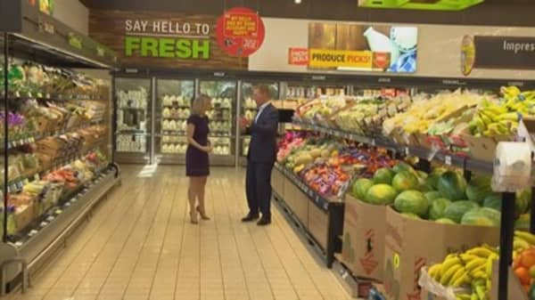 Grocer Aldi Targets Nearby Rivals In Its Bid To Boost Its Us Footprint