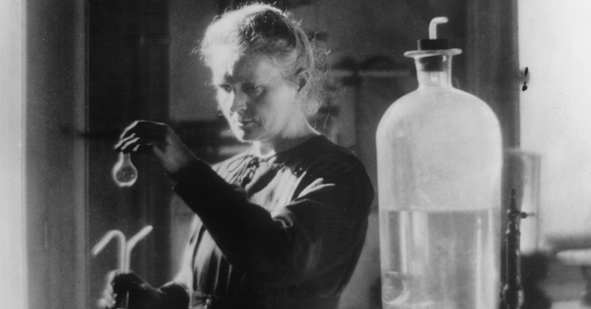 Nobel Prize-winning scientist Marie Curie tops 'women who changed the world' list