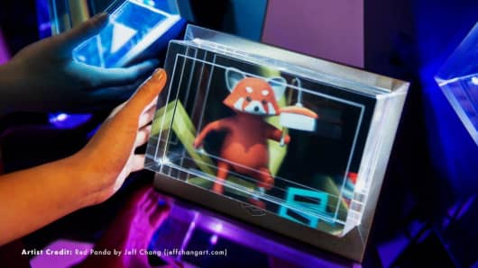 Looking Glass's holographic display shows a panda 3D animation