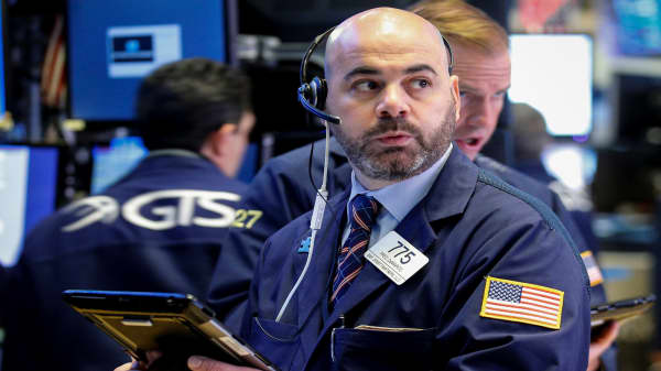 Dow and S&P on pace for sixth straight week of gains