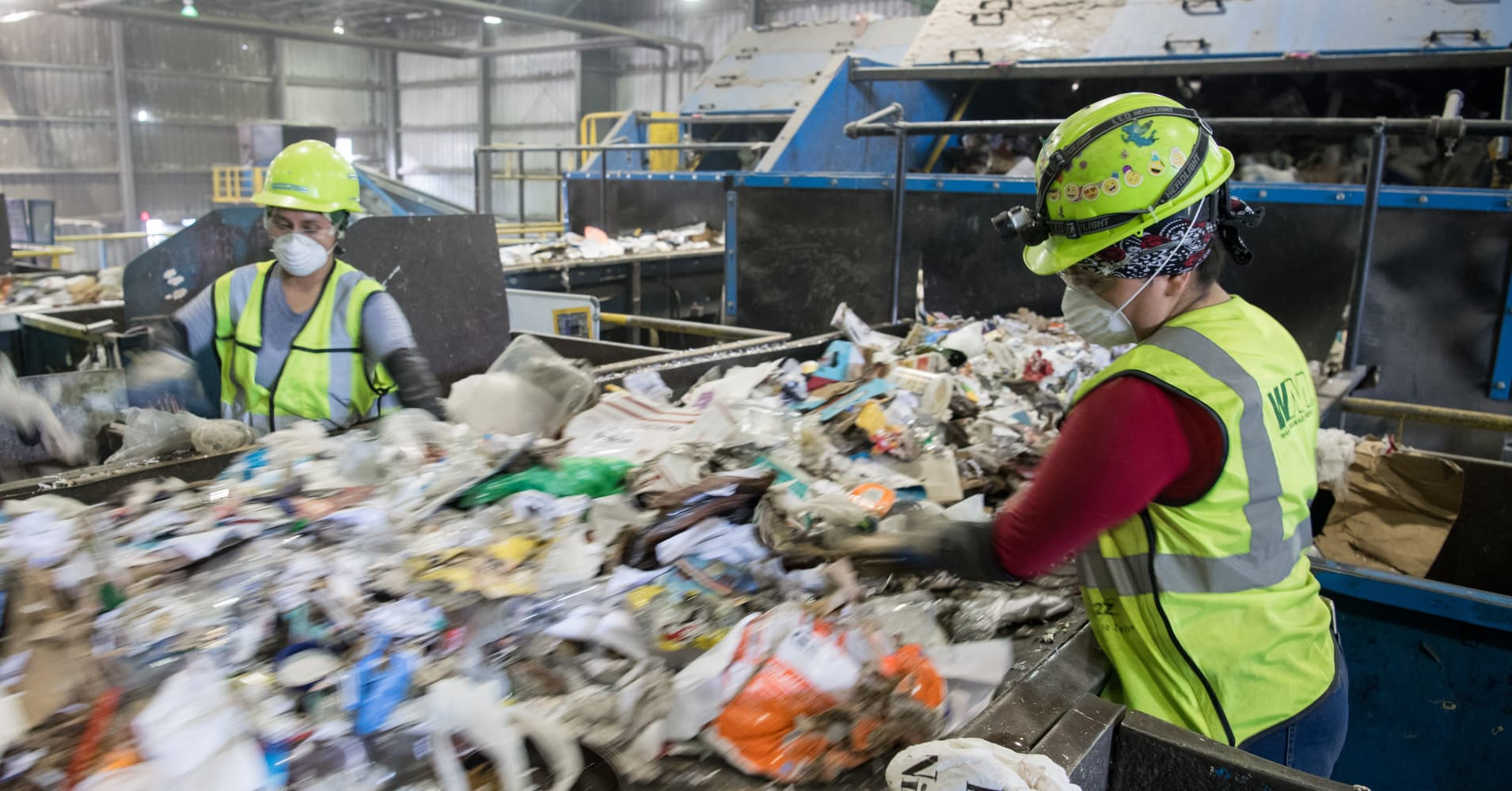 Waste Management to buy Advanced Disposal for about $3 billion in cash
