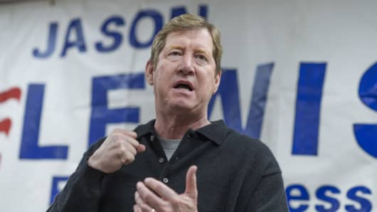 Jason Lewis, Republican candidate  for Minnesota's 2nd Congressional District, talks with volunteers at his campaign office in Burnsville, MN, October 29, 2016.