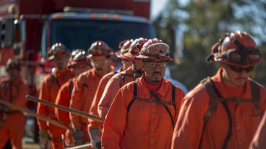 California is paying inmates $1 an hour to fight wildfires