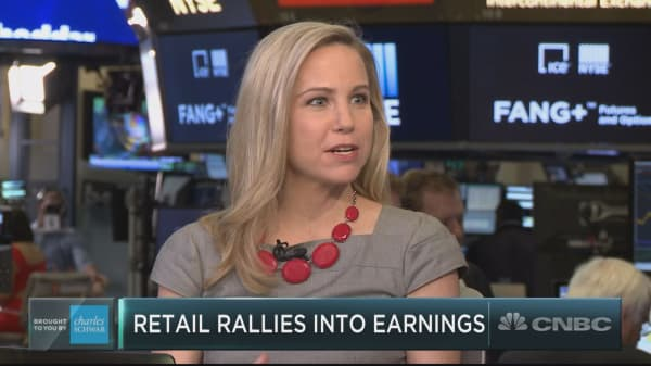 Shorts are wrong to bet against retail, says CFRA's Lindsey Bell