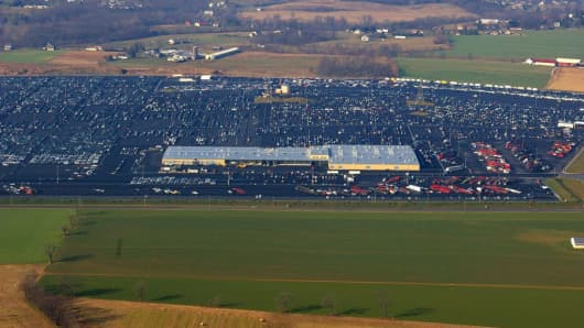 An aerial view of the Manheim Pennsylvania auto auction.