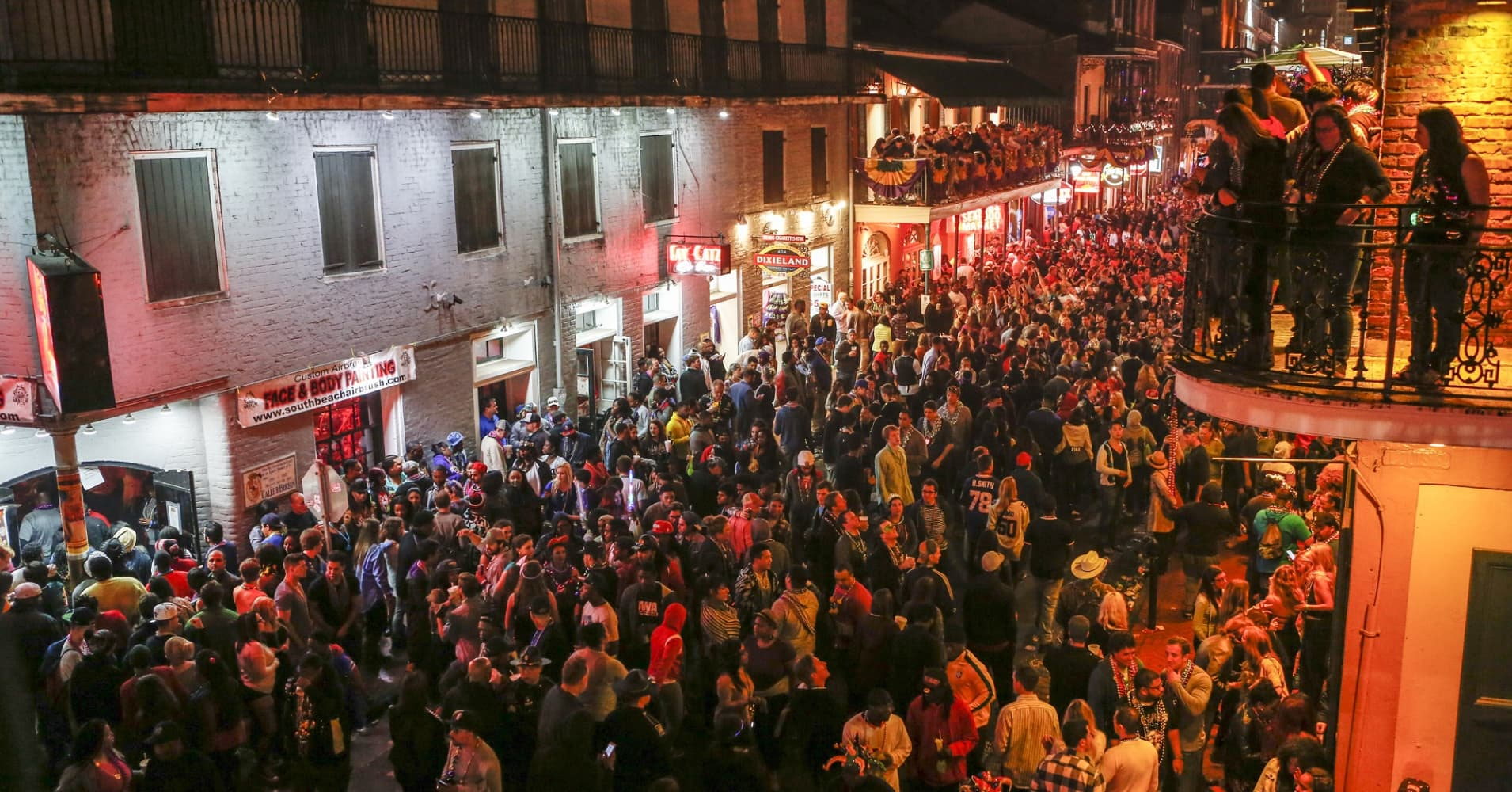 Bucket list travel famous streets in america you need to - Bourbon street piastrelle ...