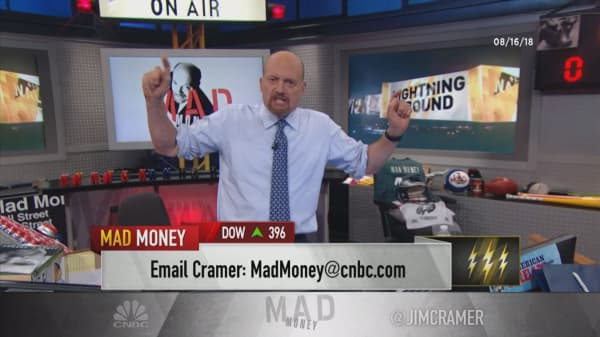Cramer's lightning round: It's a good time to buy oil stocks