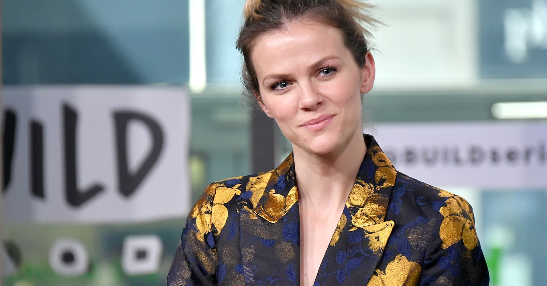 This is the cheat sheet Brooklyn Decker used at important meetings (and you can steal the idea)