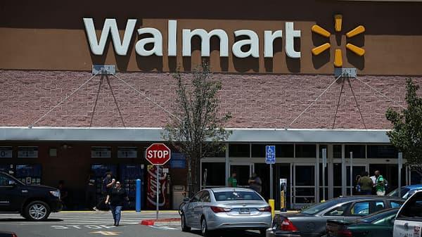Raymond James downgrades Walmart