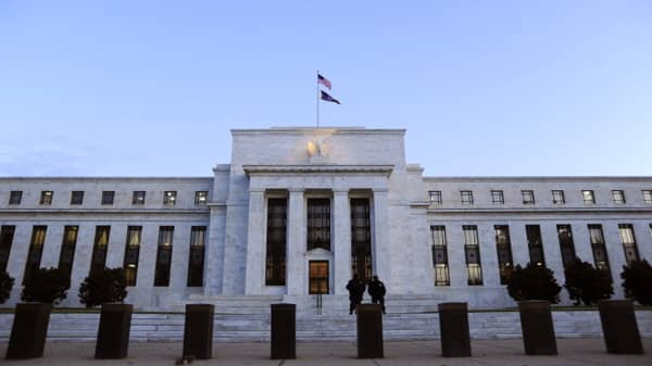 Treasury yields slip to bottom of recent range