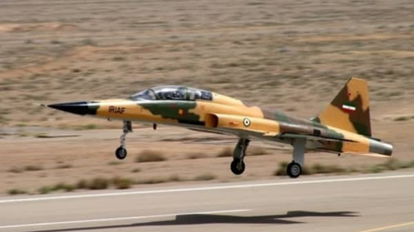 Military experts say Iran's new fighter jet is actually a ...