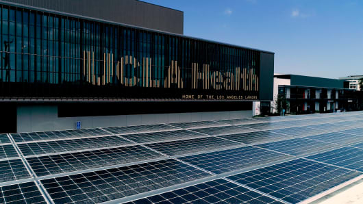 The Lakers' UCLA Health Training Center is now home to 456 solar panels.