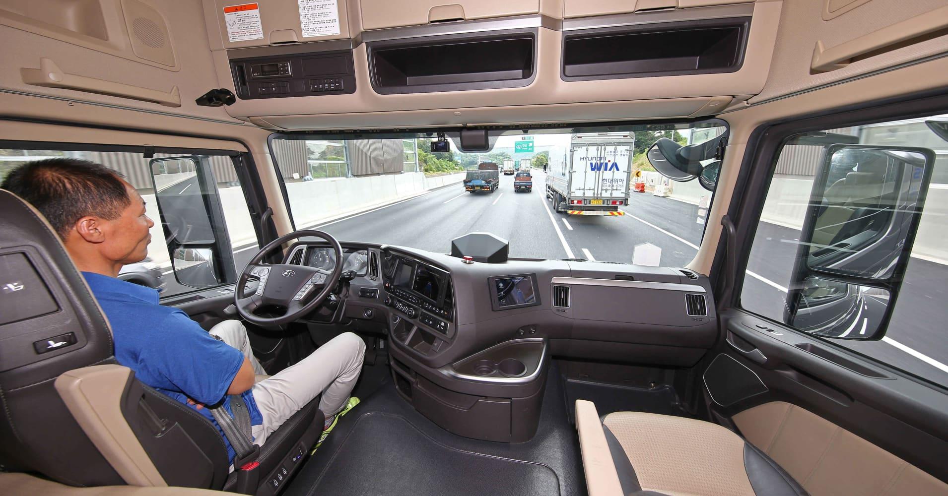 Hyundai's autonomous truck just made a 40-kilometer trip on a South Korean highway