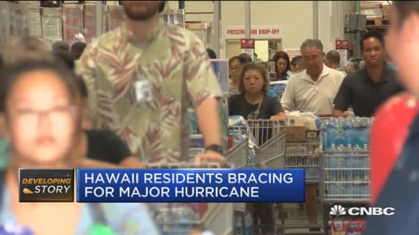 Hawaii residents bracing for category 5 hurricane