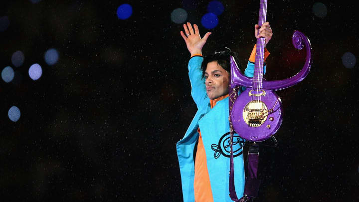 MIAMI GARDENS, FL - FEBRUARY 04:  Prince performs during the 'Pepsi Halftime Show' at Super Bowl XLI between the Indianapolis Colts and the Chicago Bears on February 4, 2007 at Dolphin Stadium in Miami Gardens, Florida.  (Photo by Jonathan Daniel/Getty Images)