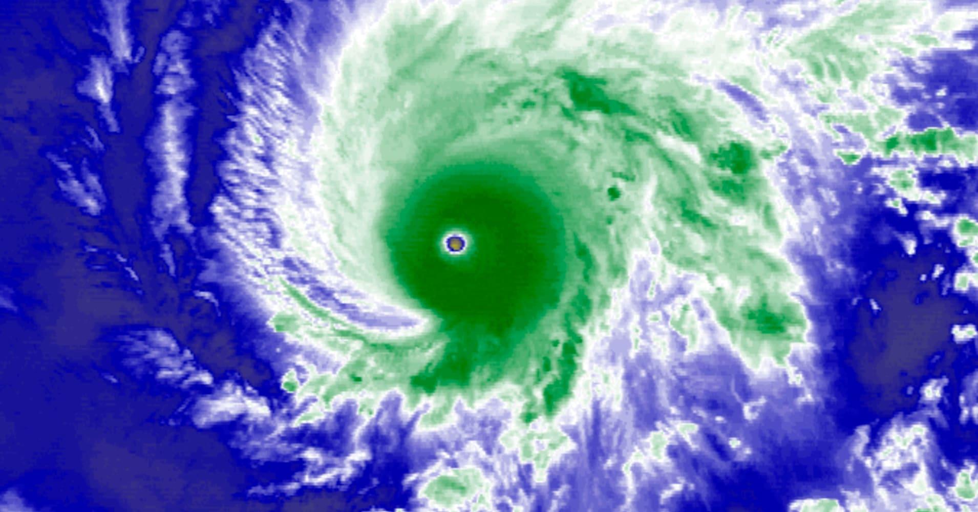 Hurricane Lane weakens but still packing wallop