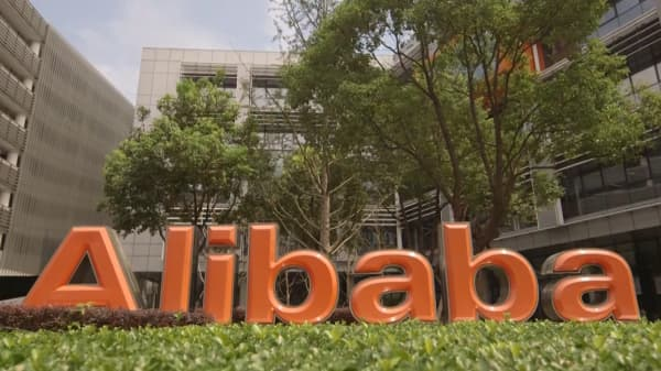 Alibaba sells off heading into earnings. One trader sees a buying opportunity