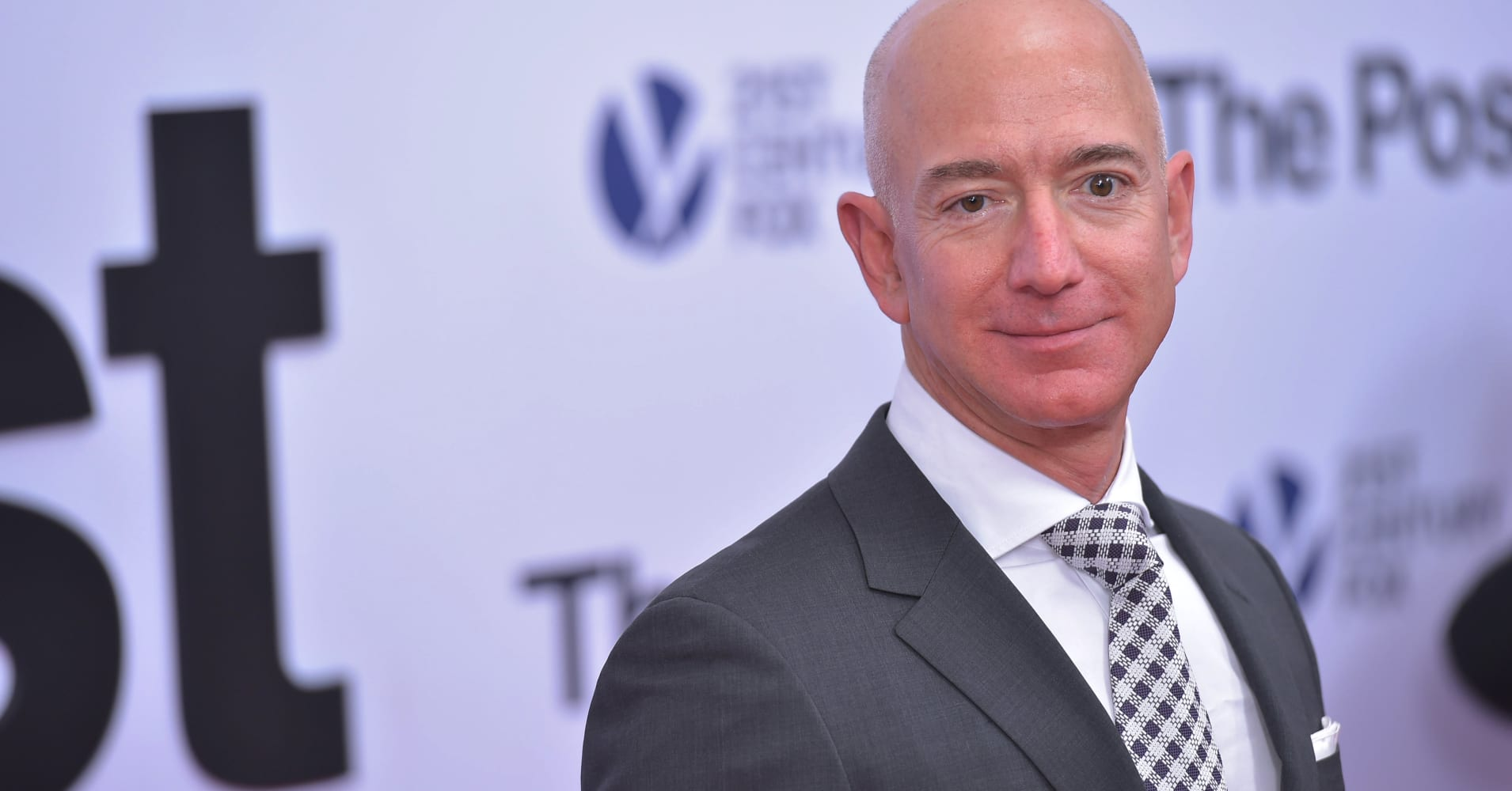 Amazon CEO Jeff Bezos arrives for the premiere of 'The Post' on December 14, 2017.