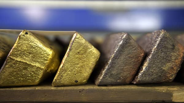 Gold rallies on dovish comments from Fed Chair Powell