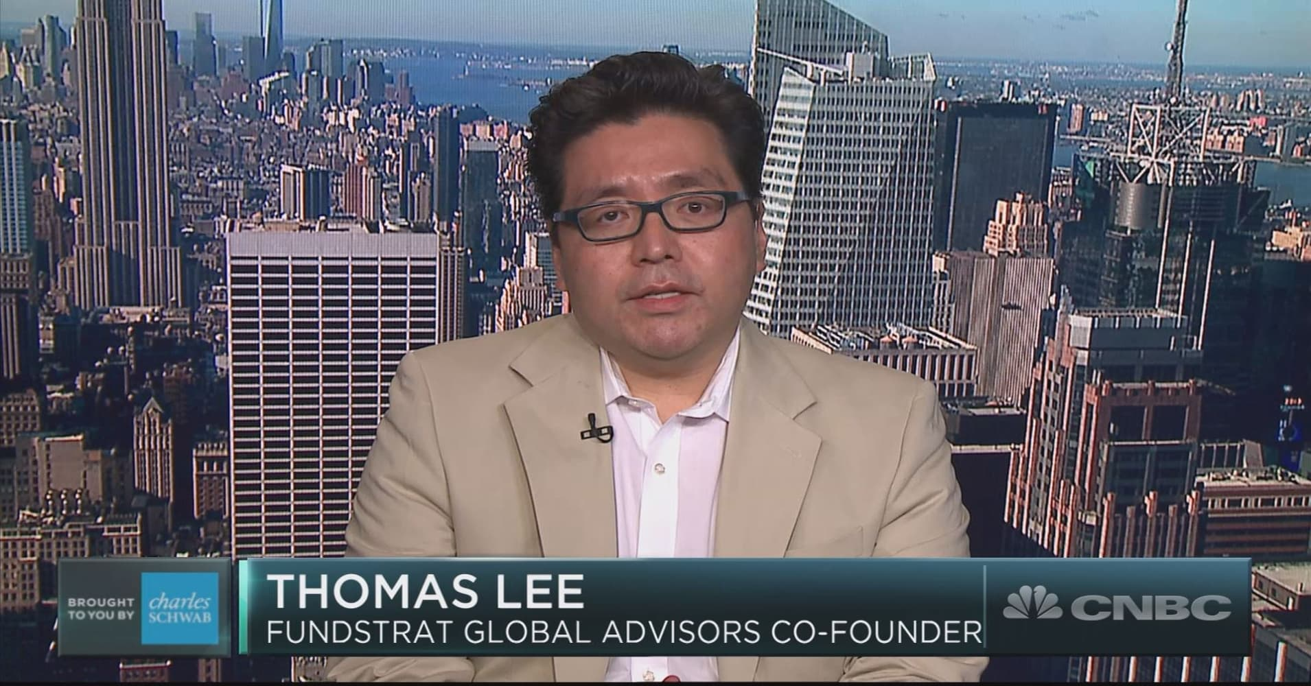 This little-talked about correlation suggests bitcoin may end year 'explosively higher': Tom Lee