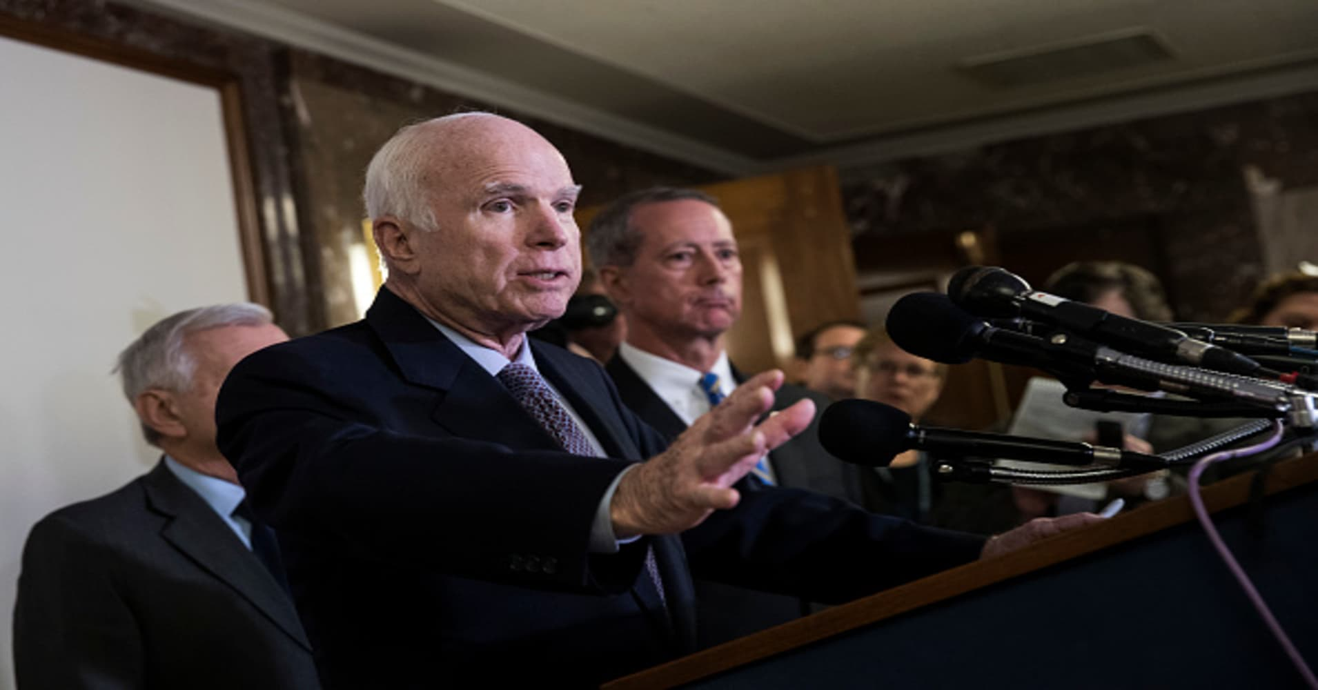 McCain was committed to country, family, honor and duty , says former  senator