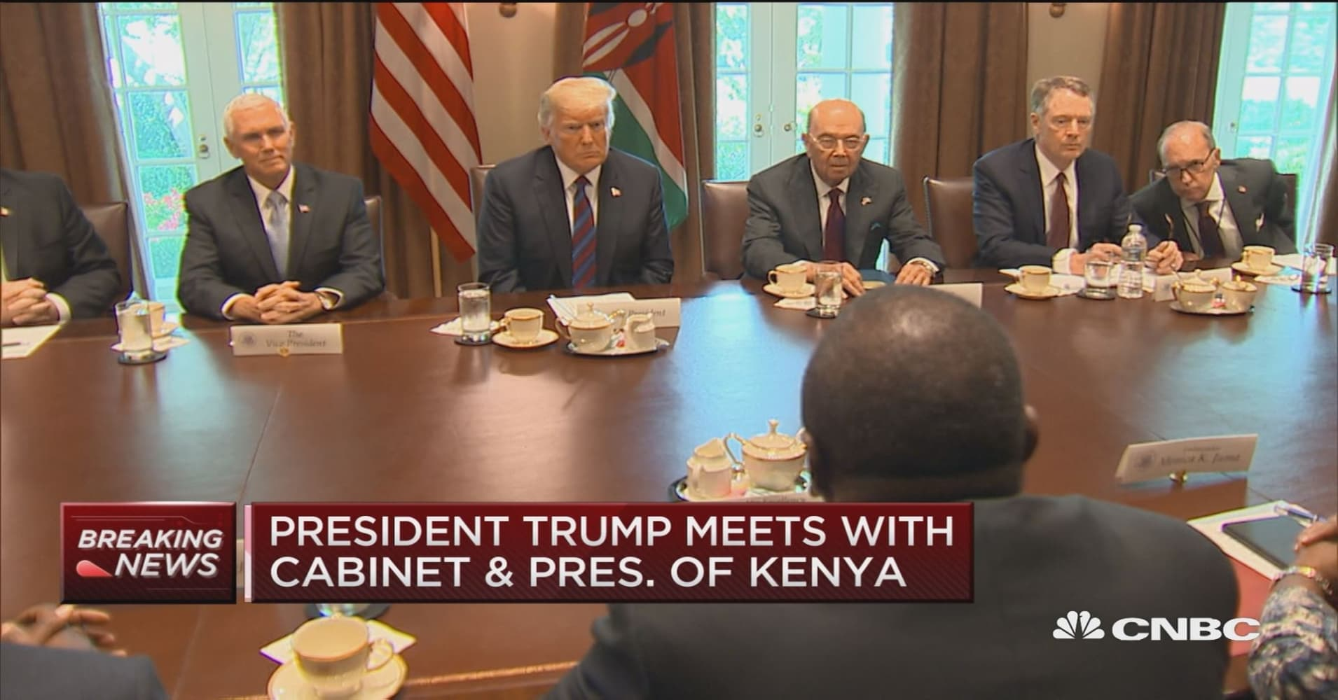 president trump meets with cabinet and president of kenya