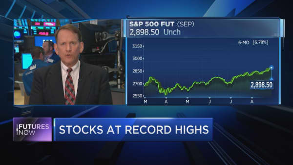 This trend-bucking pattern could give investors a September to remember, market watcher Sam Stovall says