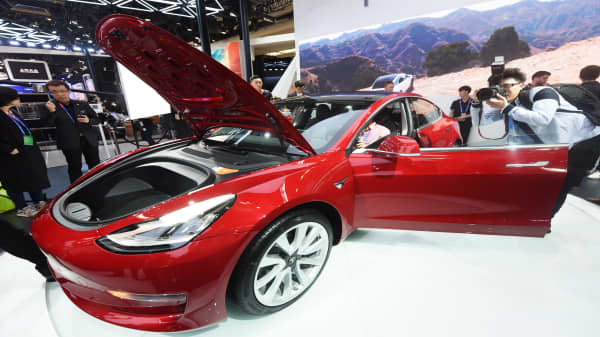 Judge dismisses lawsuit against Tesla over Model 3 production
