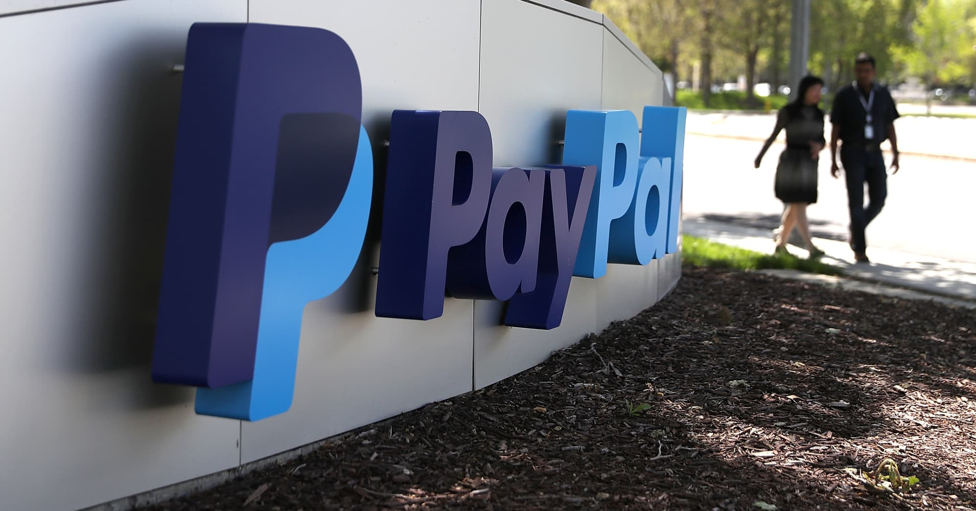 PayPal shares could soon break through the $100 level, says trader