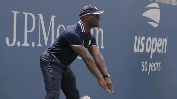 Here's what it's like to be a U.S. Open line umpire